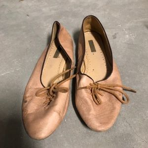 Shoes - Blush leather lace up loafers